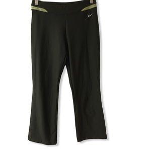 Nike athletic Capri pant green size small